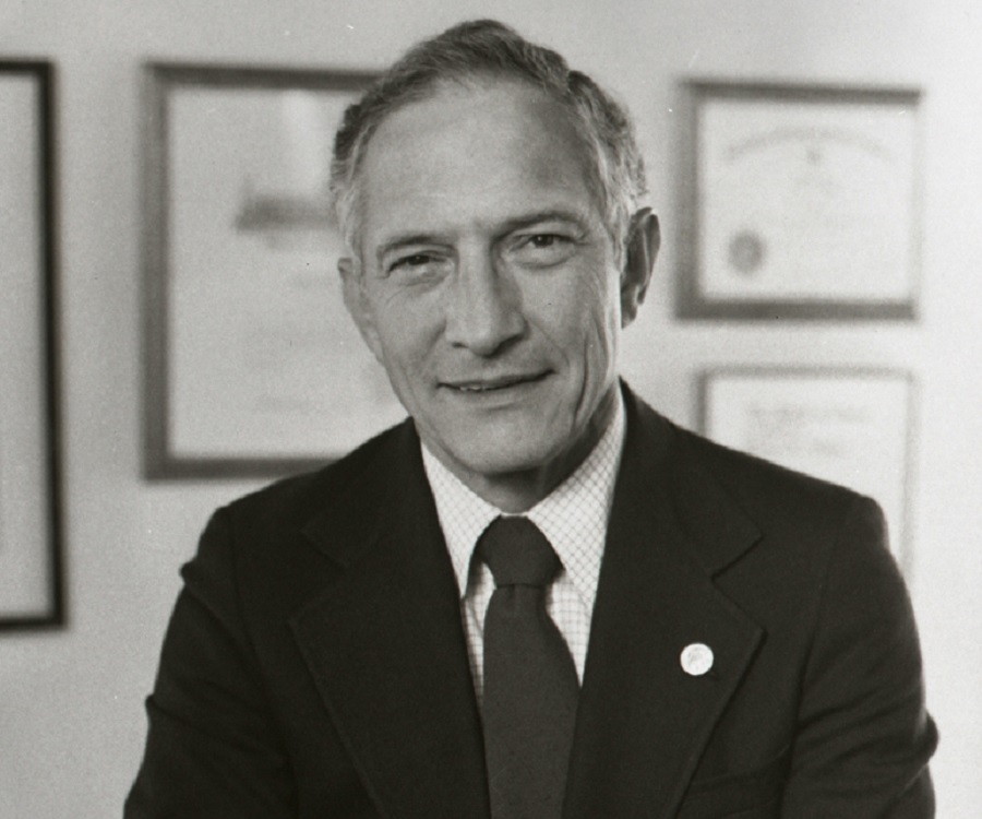 Robert Noyce : Co-Founder of Intel & Co-Inventor of the Integrated ...